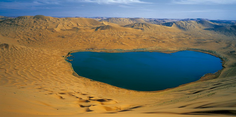 巴丹吉林沙漠越野车线路—巴丹湖观光一日线路; 阿拉善沙漠国家地质